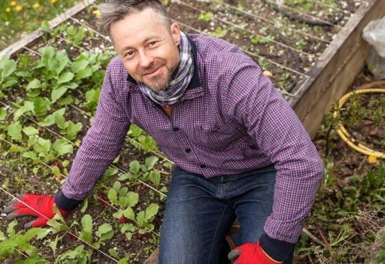 Egy kiváló és helyettesíthetelen társ a kertben: a metszőolló