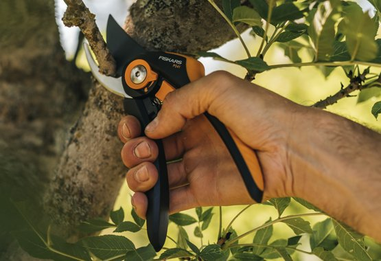 Fiskars pruning shears - Top-quality steel blades