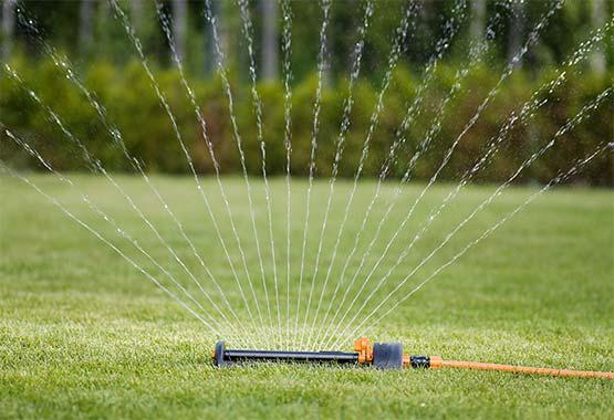Víztakarékos esőztető, fém talp
